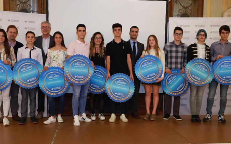 La Fundación Caja Rural de Aragón entrega las Becas Excelencia al Estudio y Deporte