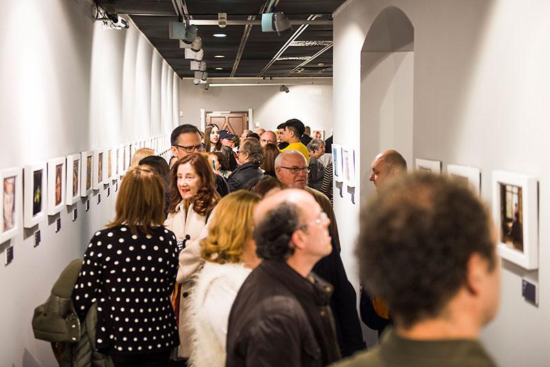 350 personas asisten inauguración arte figurativo-realista en Zaragoza