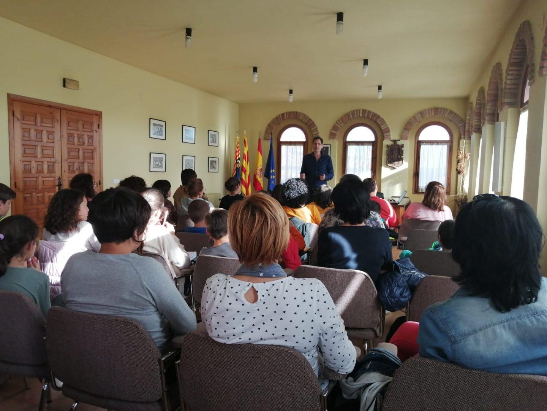 Medio millar de personas participan en los talleres de formación para padres e hijos de la Fundación Caja Rural de Aragón