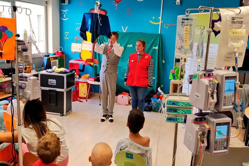 Los voluntarios de nuestra Fundación ayudan en el Hospital Infantil de Zaragoza