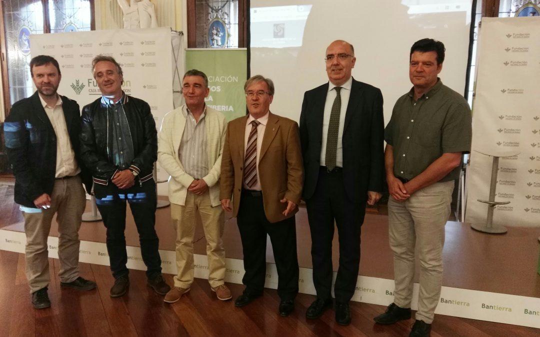 La iniciativa sosrural.org presentada en la sede de Caja Rural de Aragón