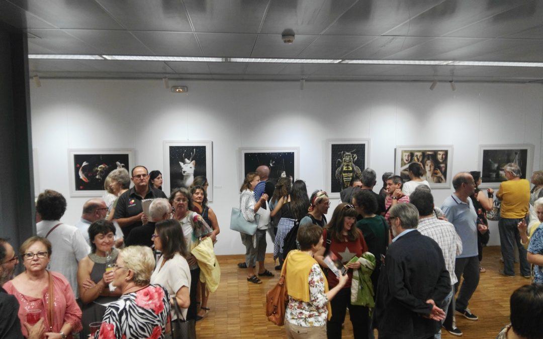 """Éxito de público en la inauguración de la exposición """"Miradas Efímeras"""" del pintor zaragozano Jaime Sanjuán"""