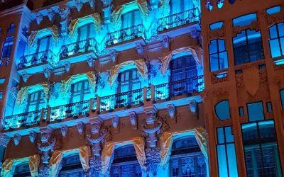 La Sede de la Fundación Caja Rural de Aragón se iluminó de azul el Día Mundial del Autismo