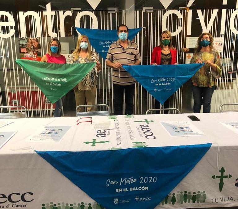 La Pañoleta Solidaria llega a los balcones de Monzón