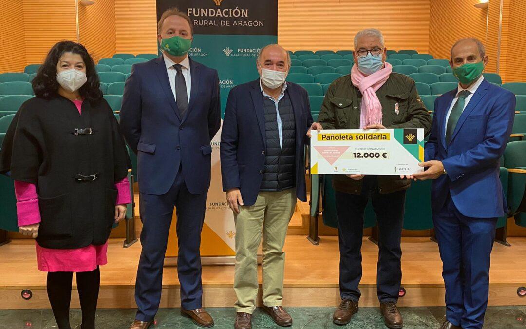 La AECC logra en Calatayud 12.000 euros gracias a la Pañoleta Solidaria