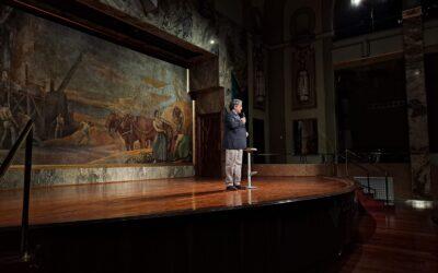 José Luis Corral presentó su último libro en Caja Rural de Aragón